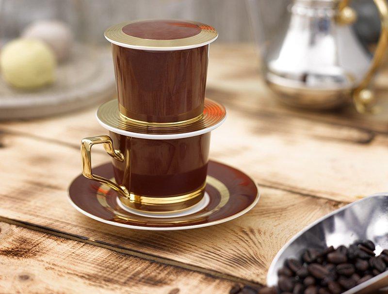 Lựa chọn phin và nguyên liệu có có tách cà phê thơm ngon