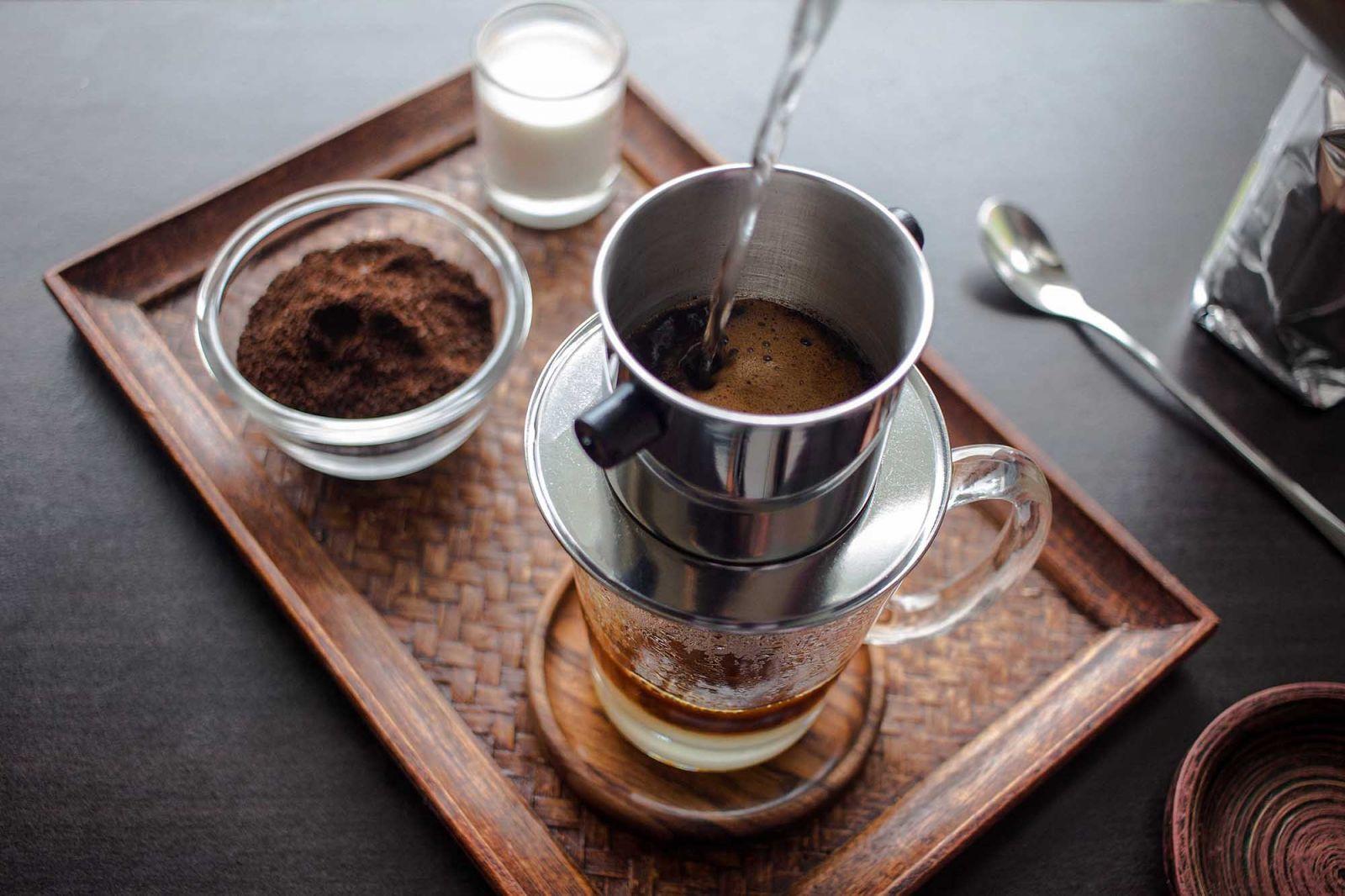 Cà phê phin là một trong những đồ uống độc, lạ